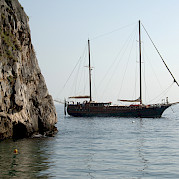 Mariagiovanna sailing the Amalfi Coast