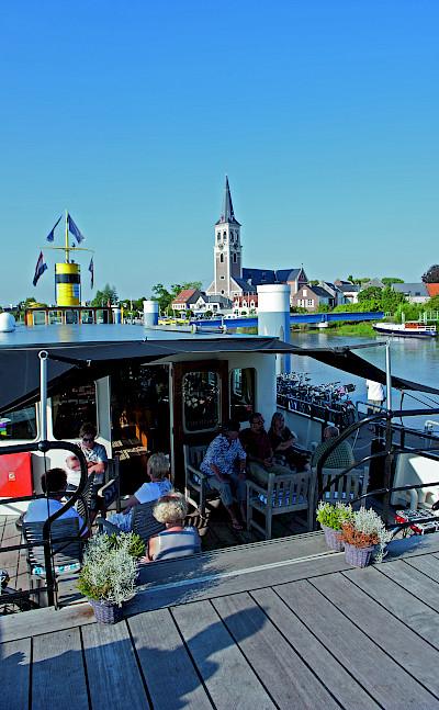 deck - Magnifique | Bike & Boat Tours