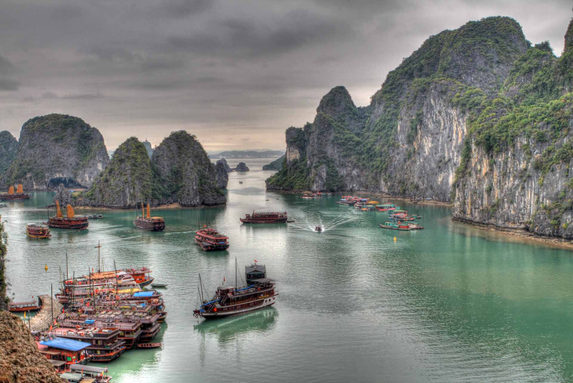 Vietnam cambodia bike and boat tour tripsite ha long bay vietnam photo via flickrguido da rozze solutioingenieria Images
