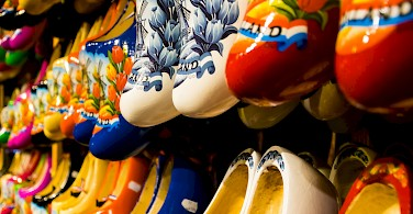 Klompen for sale as souvenirs in Zaandam at the Zaanse Schanse. Photo via Flickr:zicariovanaalderen