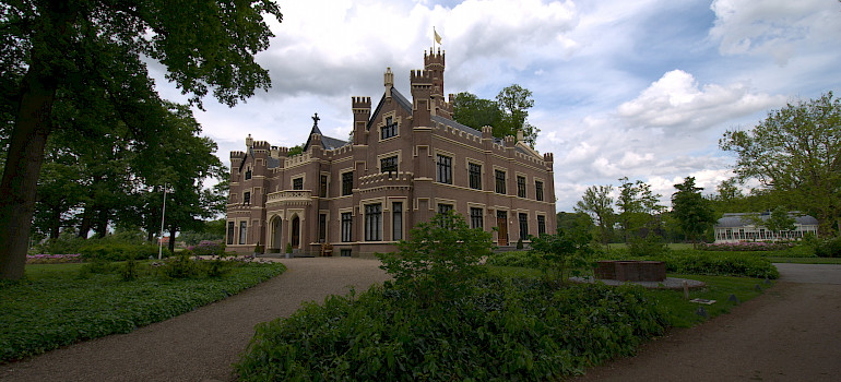 Schaffelaar Castle - Barneveld, Holland - photo by via Flickr: Ferdi's - World