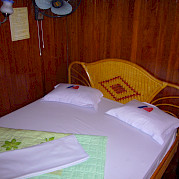 Vietnamese Junks - room