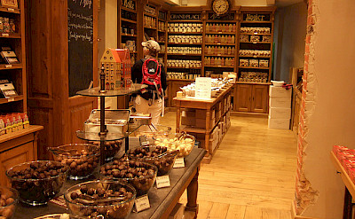 Great chocolate shop in Brussels. Belgian chocolates are good! Flickr:Christian Payer