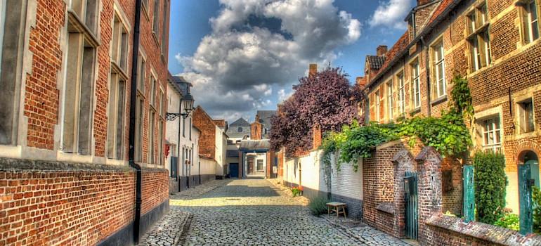 Bruxelas a Bruges - Passeio de Bicicleta e Barco
