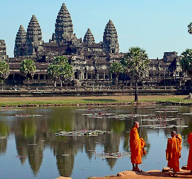 Buddhist Monks at Angkor Wat, Cambodia. Photo via Wikimedia Commons:sam graza
