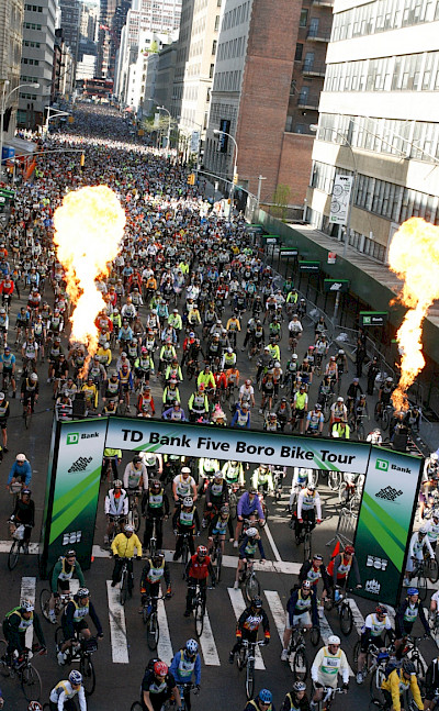 The festive start, courtesy of Bike NY