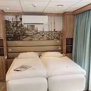Upper deck double cabin | De Holland | Bike & Boat Tours