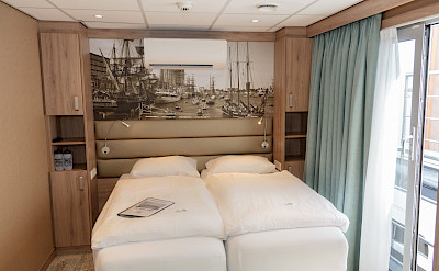 Upper deck double cabin | De Holland | Bike & Boat Tours