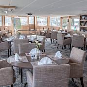 Lounge & Dining | De Holland | Bike & Boat Tours