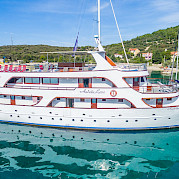Andela Lora - Croatia Bike Boat Tours