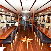 Saloon on the Andela Lora
