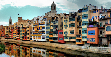 River houses in Girona, Spain. Photo via Flickr:Joan Campderrós-i-Canas
