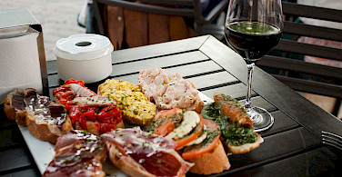 Tapas and wine are great local favorites in Spain! Flickr:Soilome Chaussure