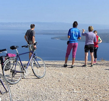 A break from the bicycle to admire the view of Kvarner Bay. Photo by Eveline & Gunter Jendretzke