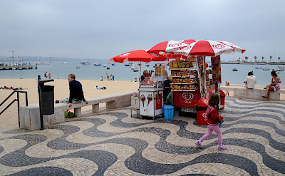 Along the beach in Cascais, Portugal. Flickr:Aapo Haapanen