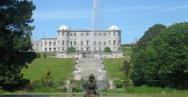 Powerscourt Estate in Enniskerry, County Wicklow, Ireland. Wikimedia Commons:Amanda Susuan Munroe