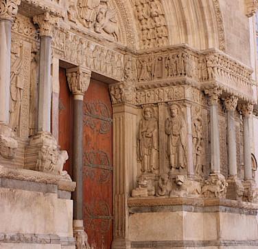 Église Saint Trophime in Arles - photo by Leighton Price