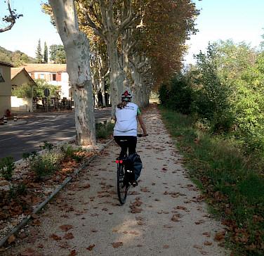 Carla on the path. Photo by Hennie.