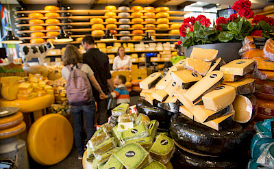 """Kaaswinkeltje"" in Gouda, South Holland. Photo via Flickr:Norio NAKAYAMA"