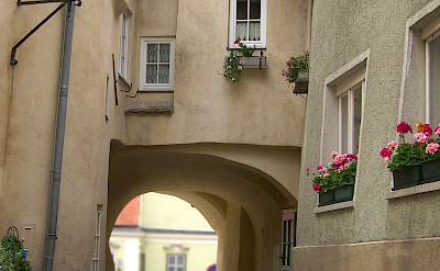 Cobblestone street in Krems, Austria. Flickr: Mikel Ortega