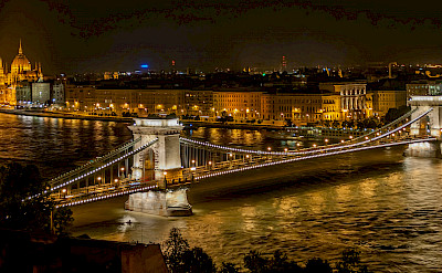 Széchenyi Chain Bridge from Buda Castle in Budapest, Hungary. CC:Wilfredor
