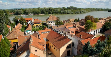 Along the Danube River in Szentendre, Hungary. Photo via Flickr:cordyph