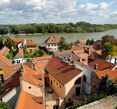 Along the Danube River in Szentendre, Hungary. Photo via Flickr:cordyph