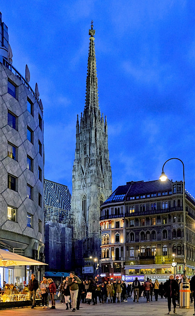 Evening stroll in Vienna, Austria. Photo via Flickr:Pedro Szekely