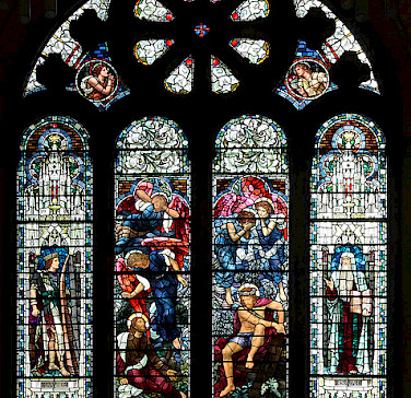 Alyth Parish Church stained-glass window. Photo via Flickr:shandchem