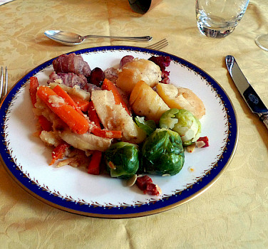 Hearty Scottish food is perfect for cycling. Photo via Flickr:ewan-m