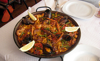 Seafood paella in Mallorca! What could be better?! - Photo via Flickr:cayetano