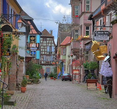 Shopping streets in Riquewihr, France. Photo via Flickr:schnitzgeli1