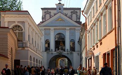 Dawn Gate in Vilnius, Lithuania. CC:Marcin Bialek