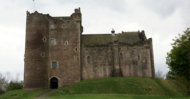 Doune Castle. Photo via Wikimedia Commons:Otter