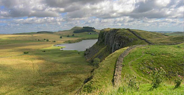 Hadrian's Wall. Photo via Wikimedia Commons:Michael Hanselmann