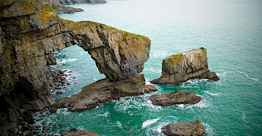 Green Bridge of Wales. Photo via Wikimedia Commons:JKMMX