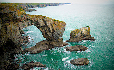 Green Bridge of Wales. Photo via Wikimedia Commons:JKMMX