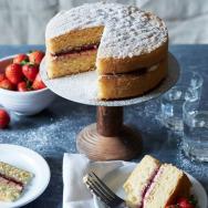 Afternoon tea & Victoria Sponge cake, yummy local treats. Photo via TO