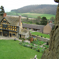 View of the Gatehouse at Stokesay Castle, Shropshire, England, United Kingdom. Flickr:Tom