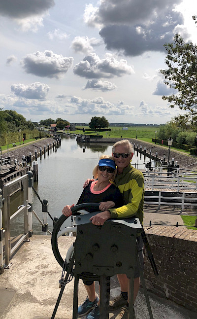 Going through the lock in the Netherlands. ©TO