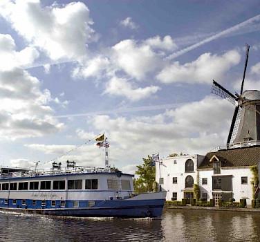 Anna Maria Agnes | Bike & Boat Tours
