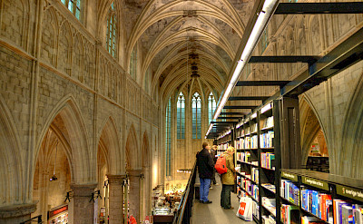 Church-turned-bookstore in Maastricht, the Netherlands. Flickr:bert kaufmann