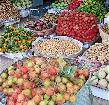 Market in Can Tho, Vietnam. Photo via Flickr:dalbera