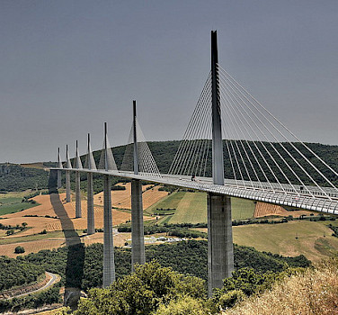 Millau viaduct. Photo via Flickr:FaceMePLS