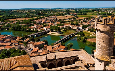 In Béziers, the Canal du Midi has an aqueduct over the Orb River in province Languedoc, France. Flickr:guillenperez