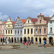 Main Square in Telc with its famous 16th century architecture. Southern Moravia, Czech Republic. Wikimedia Commons:Hans Weingartz