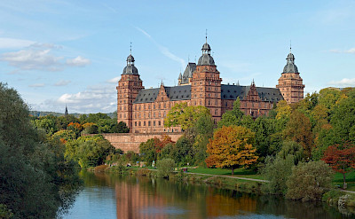 Schloss Johannisburg on River Main in Aschaffenburg, Bavaria, Germany. Wikimedia Commons:Rainer Lippert CC0