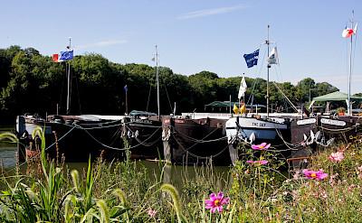 Boats moored in Conflans-Sainte-Honorine, France. Flickr:besopha