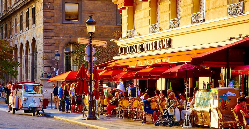 Sunset in Paris, France. Flickr:Moyan Brenn