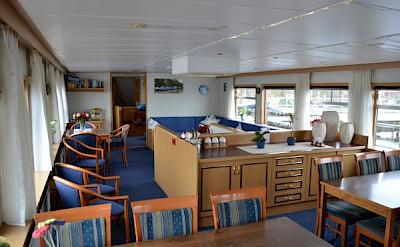 Lounge | Zwaantje | Bike & Boat Tours
